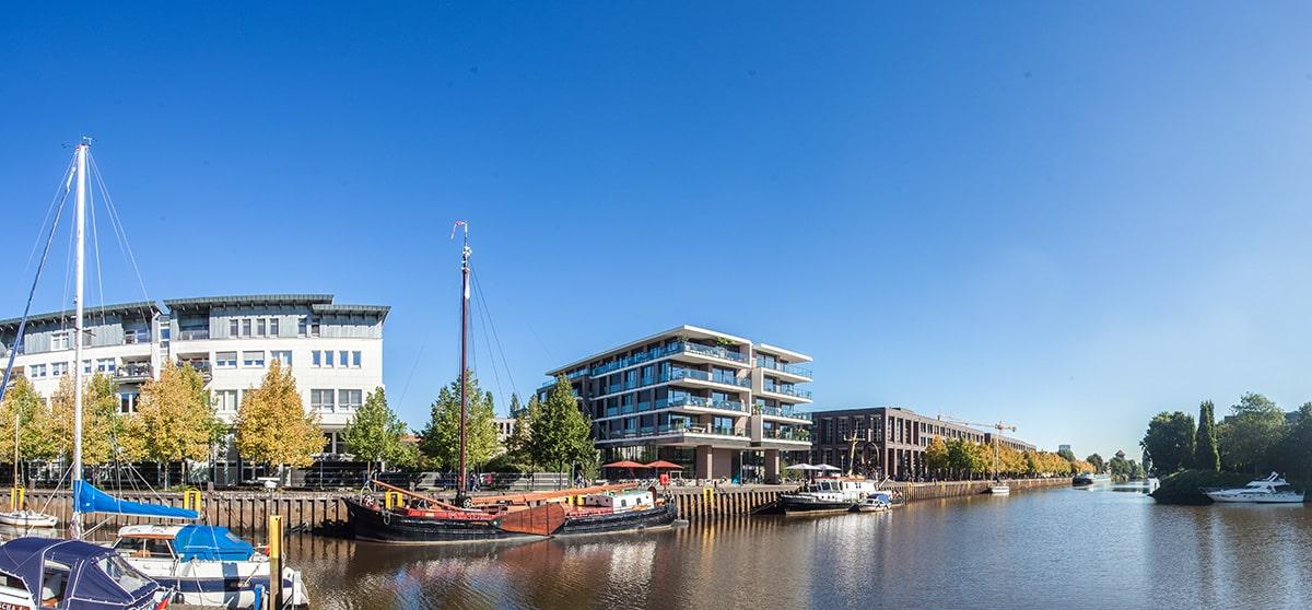 Panorama - Yachthafen in Oldenburg mit Blick Richtung Agentur für Arbeit - Fotograf Lukas Lehmann